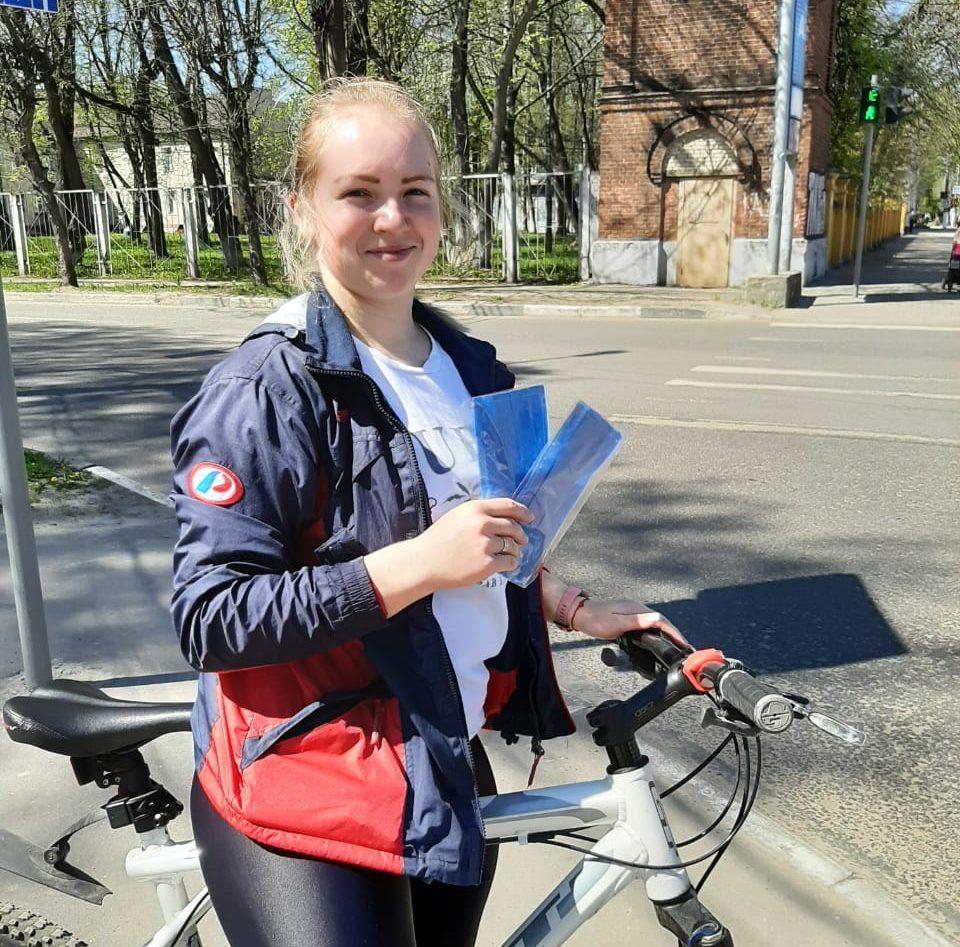 Более 450 тысяч многоразовых масок раздали волонтеры жителям Тверской области