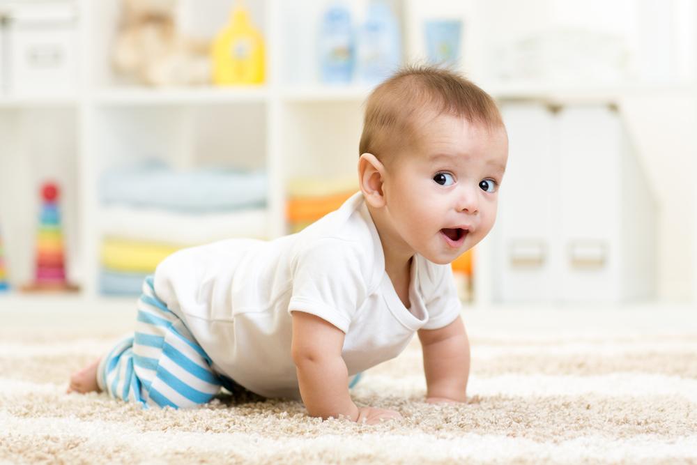 В Детской областной клинической больнице раз в неделю проводят осмотры детей первого года жизни