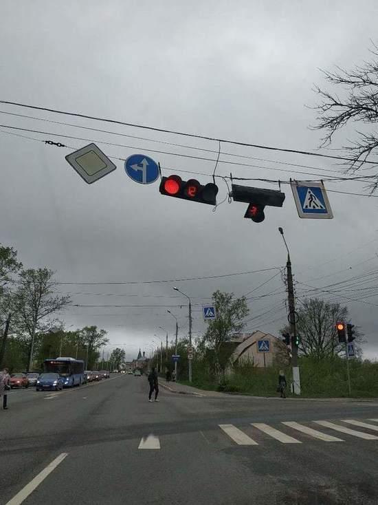 В Твери на пересечении улиц сломался светофор