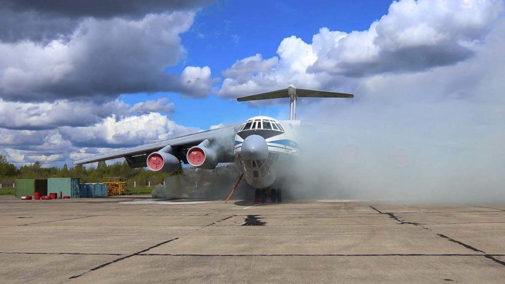 """В Твери на аэродроме Мигалово """"тушили"""" самолеты"""