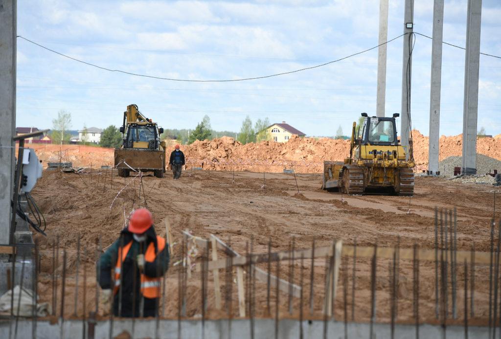 Игорь Руденя посетил строительные площадки крупных предприятий