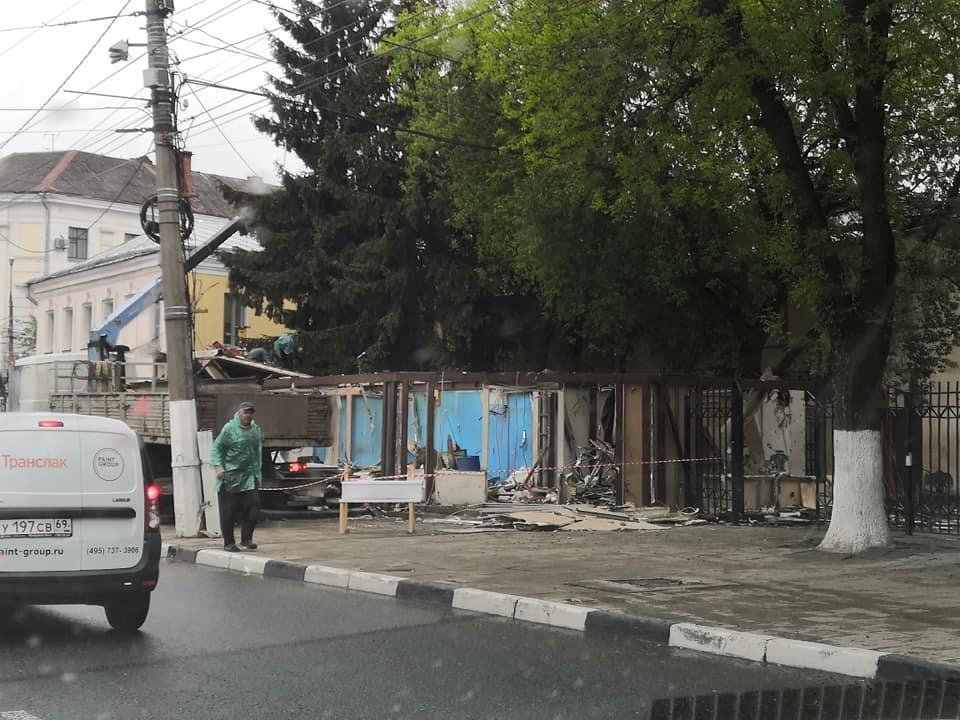 Торговый павильон в центре Твери снесли за сутки