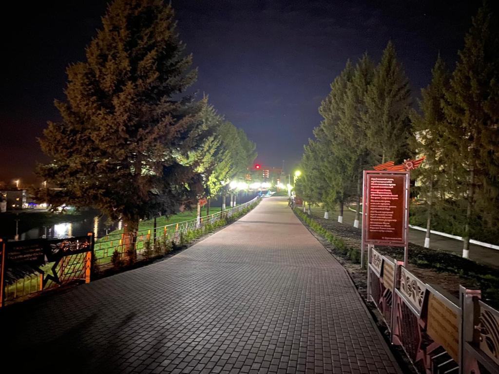 Территория возле Ржевского мемориала засверкала огнями