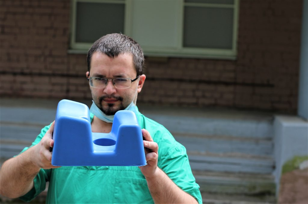 Тверская компания изготовила протекторы для пациентов, подключённых к аппаратам ИВЛ