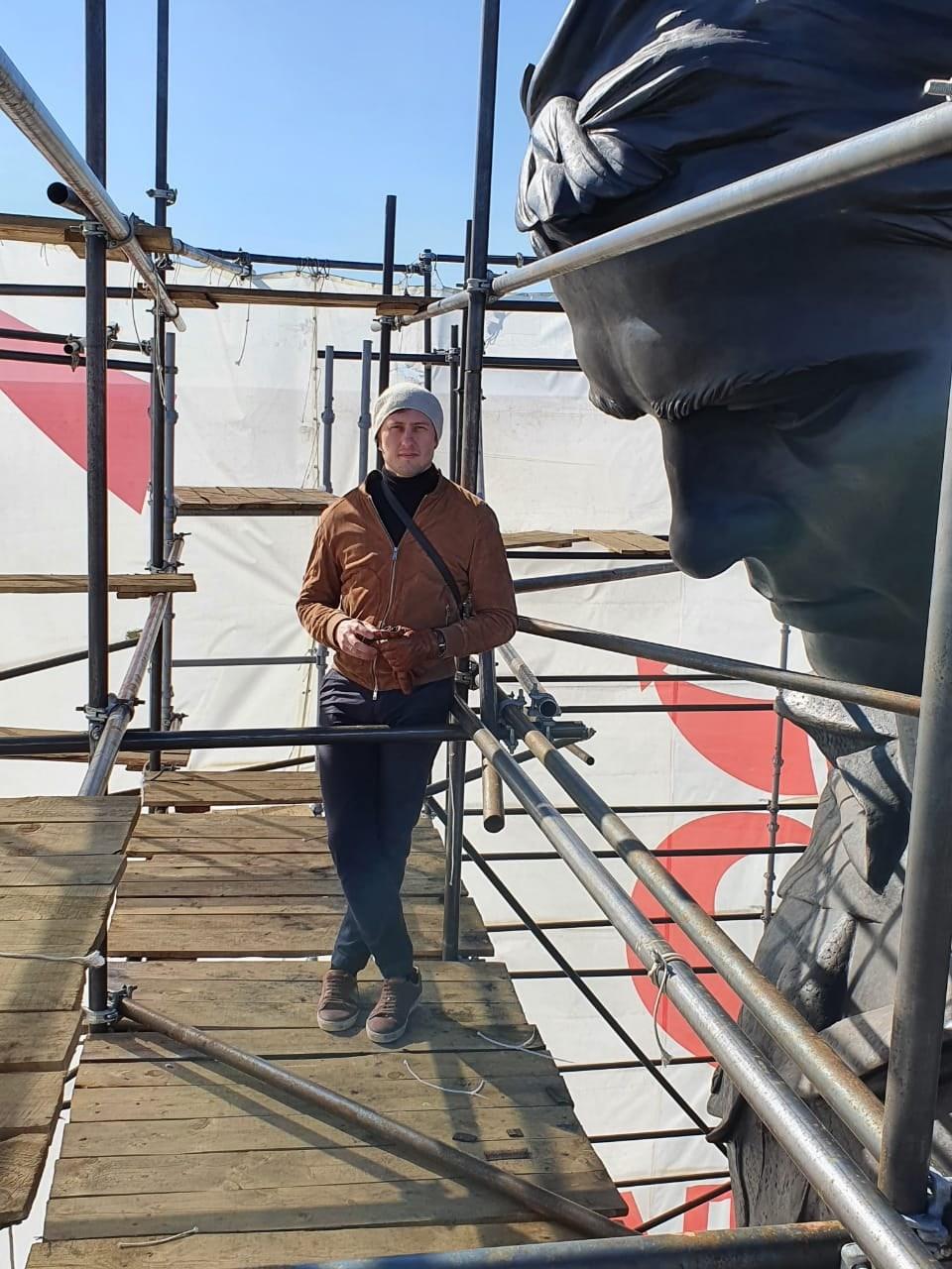 Скульптор Ржевского мемориала рассказал, чем занимается на карантине перед открытием монумента