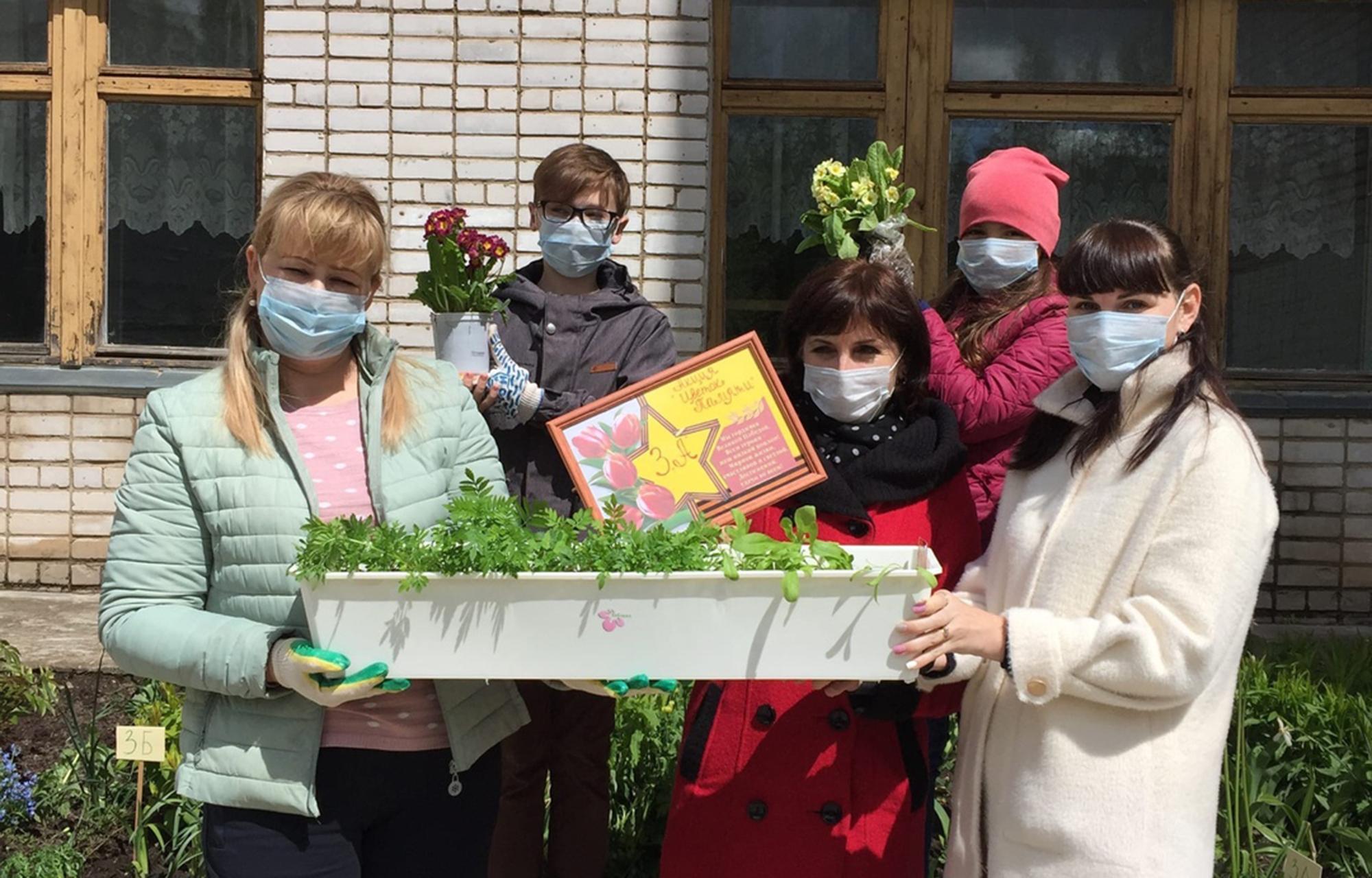 В патриотической акции «Цветок Памяти»приняли участие более 400 жителей Тверской области