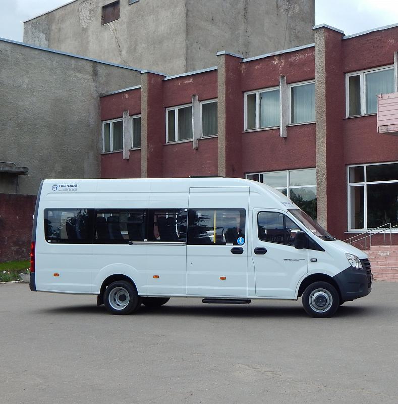 В Торопце районному Дому культуры подарили микроавтобус