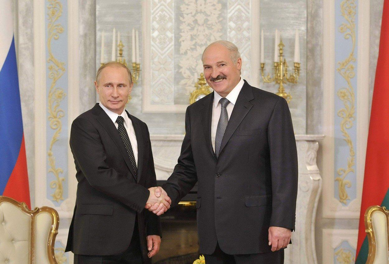 Президент Владимир Путин пригласил на открытие Ржевского мемориала Александра Лукашенко