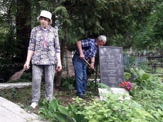 Жители привели в порядок захоронения участников Великой Отечественной войны в Тверской области