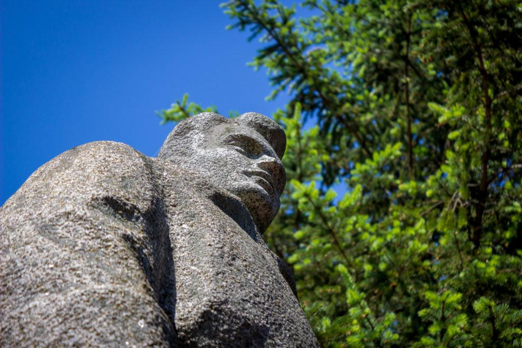 В Тверской области благоустроили памятник участнику Великой Отечественной войны Севастьянову