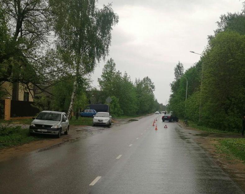 В Тверской области 11-летняя велосипедистка попала под машину