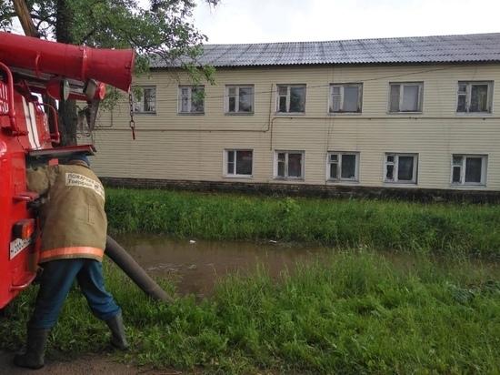 Город в Тверской области борется со стихией