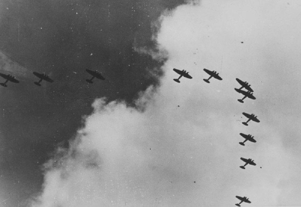 Федор Семяненков один сражался с колонной вражеских самолетов в небе над Осташковом