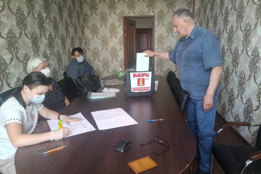 Член Общественной палаты города Твери Анатолий Николаев поделился мнением о поправках в Конституцию