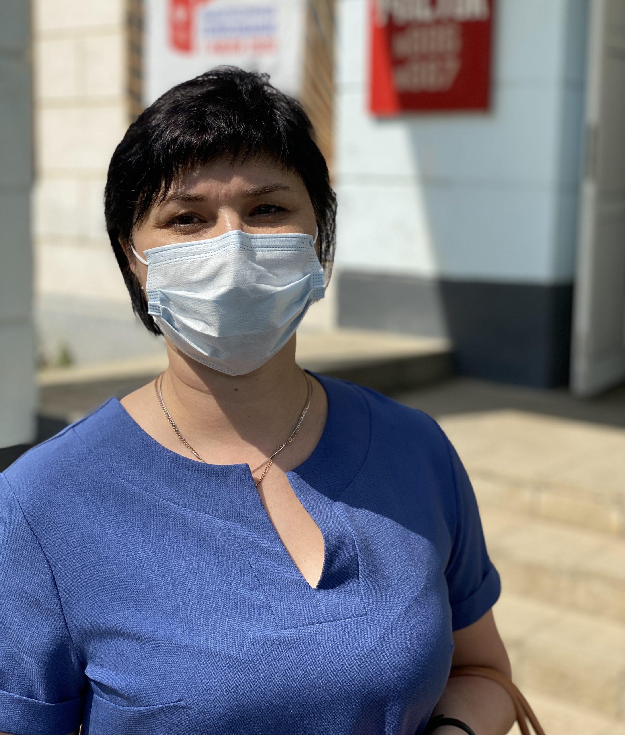 Главный врач детской больницы Анна Бекетова поделилась своим мнением с избирательного участка