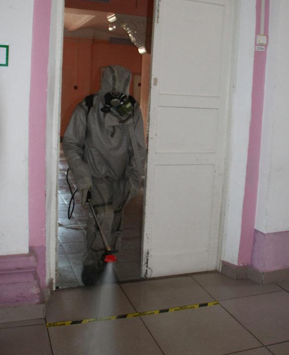 В Жарковском районе сотрудники МЧС провели дезинфекцию мест для Общероссийского голосования