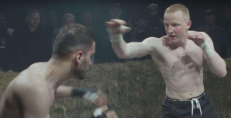 Боец из Тверской области принял участие в популярных кулачных боях (18+)