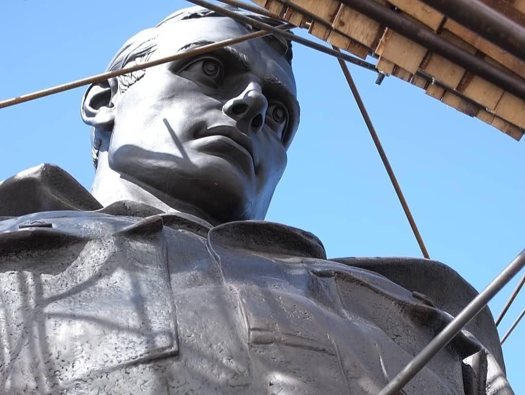 Скульптор Андрей Коробцов поделился свежими фото Ржевского мемориала