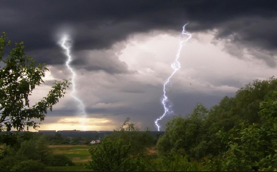 В Тверской области вновь ожидается гроза и сильный ветер