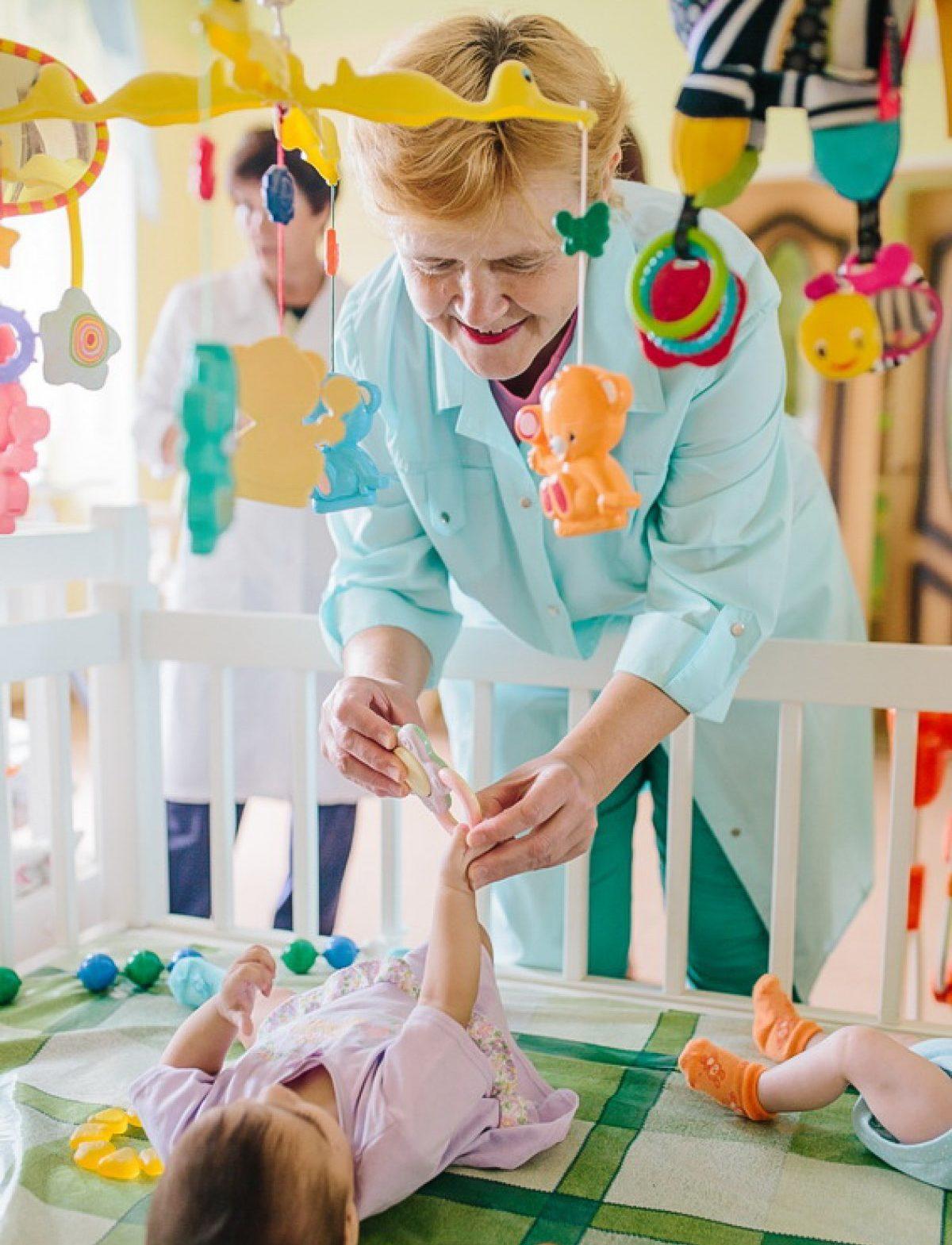 В Тверской области введут региональные выплаты для сотрудников домов ребенка