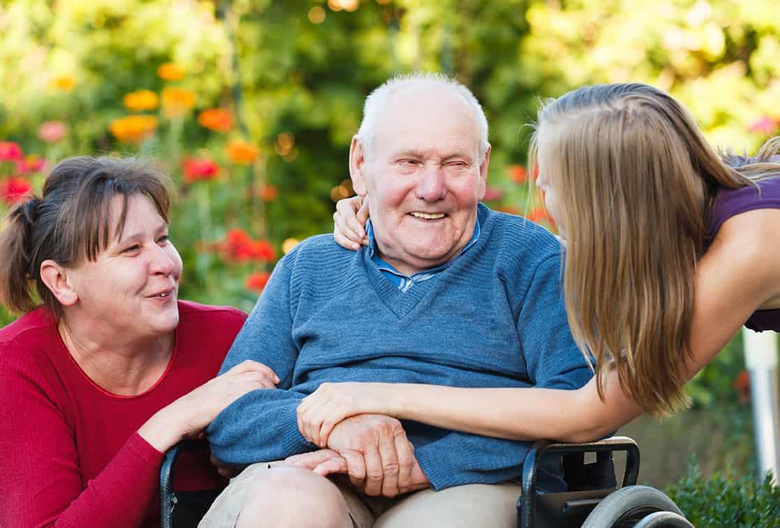 Жители Тверской области, приютившие престарелых граждан могут получить федеральную выплату