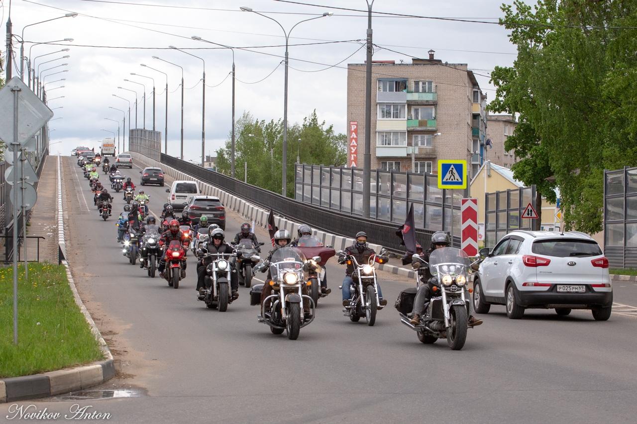 Мотоциклисты Тверской области отметили День рождения старейшего мотоклуба России