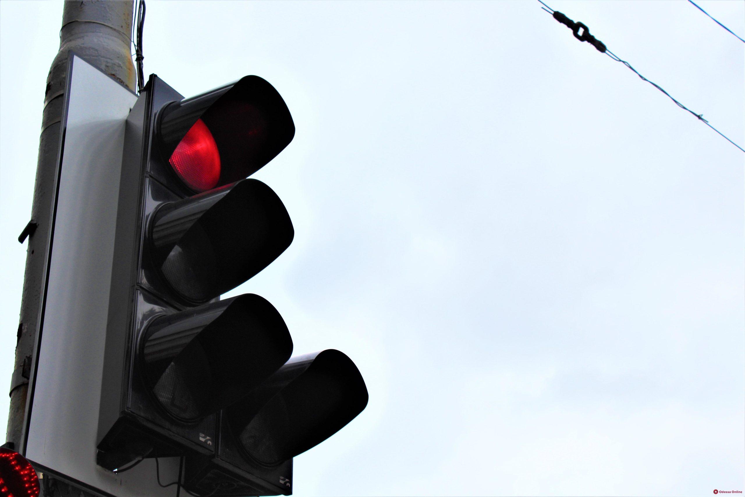 Новые светофоры и пешеходные ограждения установят в Твери