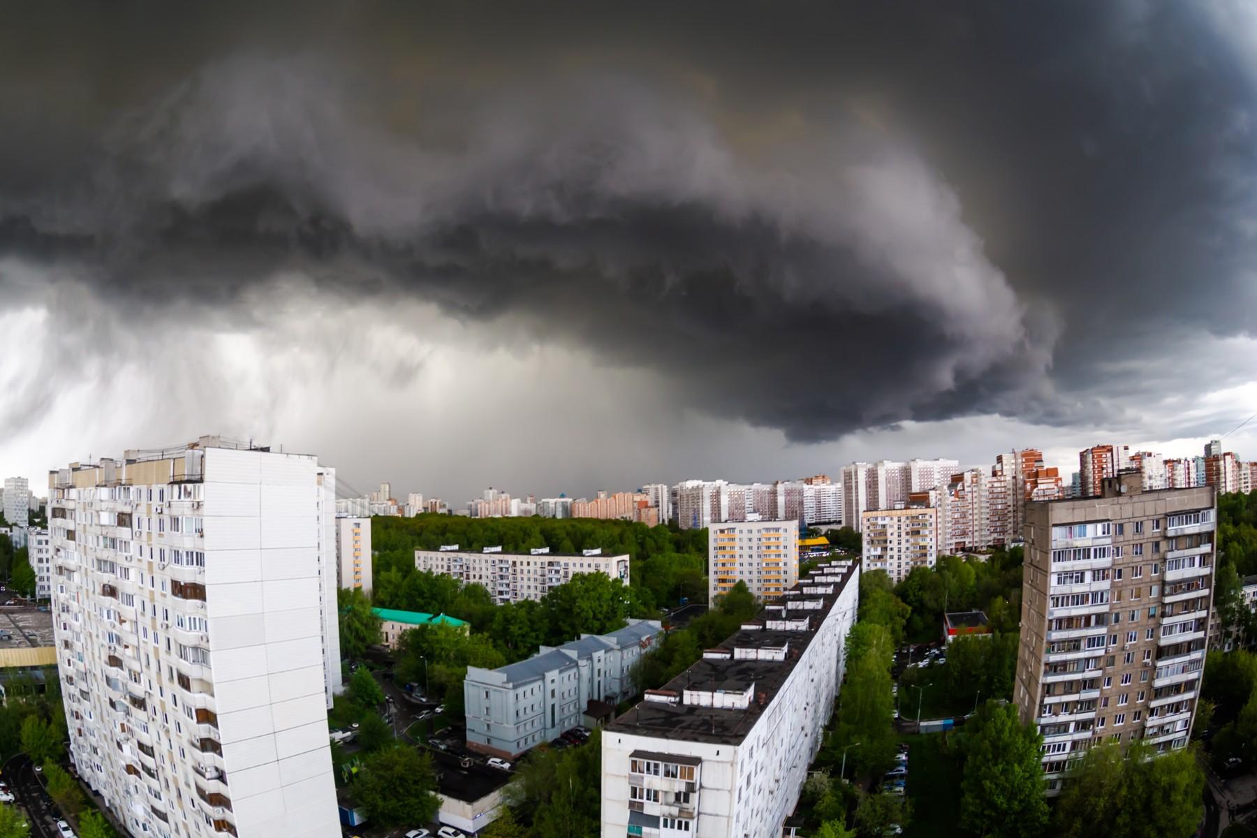 Гроза, дождь и сильный ветер ожидается в Тверской области