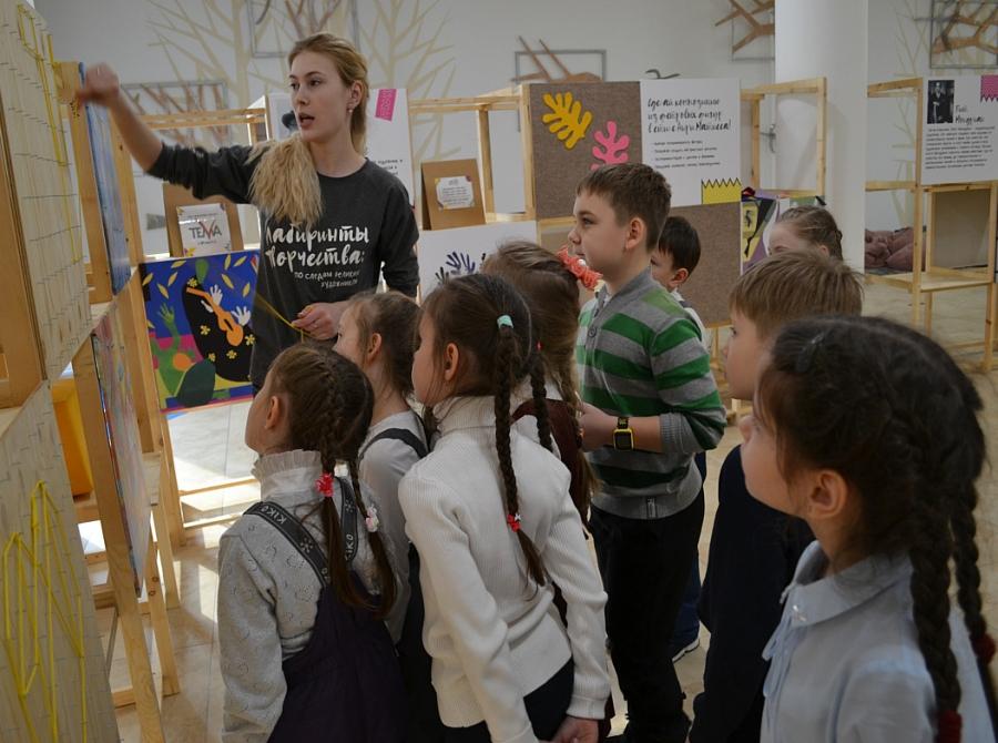 В Тверской области поддержат туроператоров, организующих экскурсии для школьников