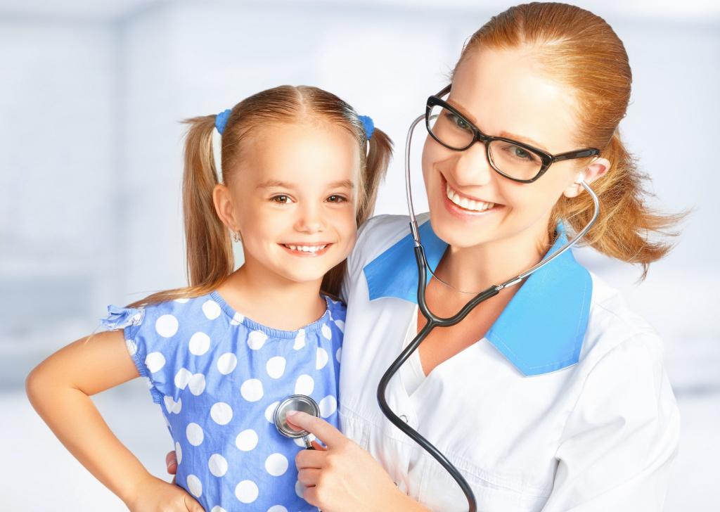 Мобильные бригады врачей в Тверской области с июня осмотрели более 840 детей