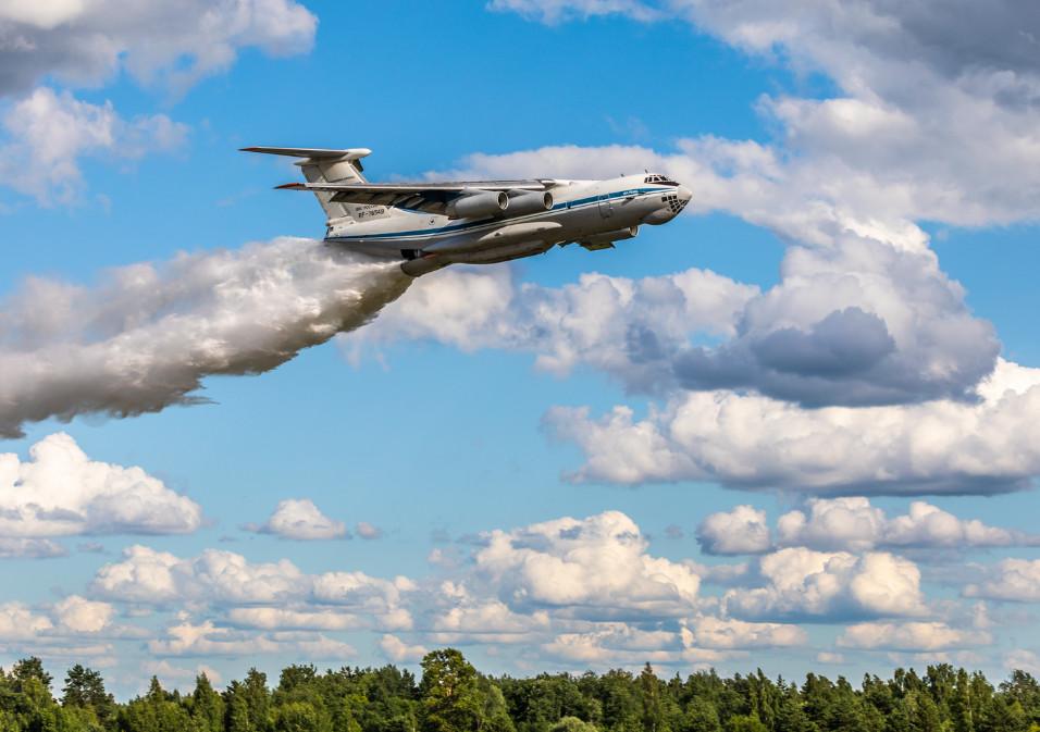 Тверские лётчики тренировались тушить лесные пожары со сверхмалой высоты