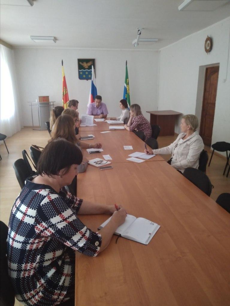 Глава района в Тверской области провел совещание по предупреждению распространения COVID-2019