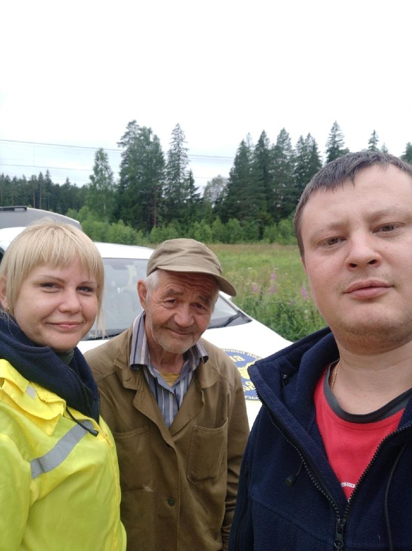 Волонтеры поисковики Совы Тверской области отыскали в лесу 75-летнего дедушку