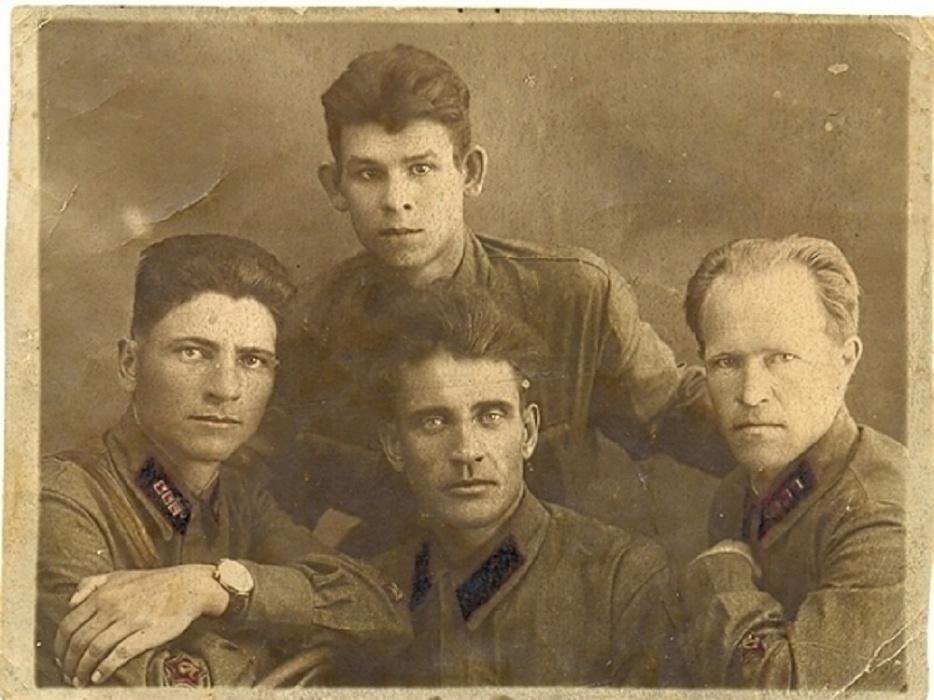«История одного экспоната»: музей в Оленинском районе хранит письма погибшего в бою партизана