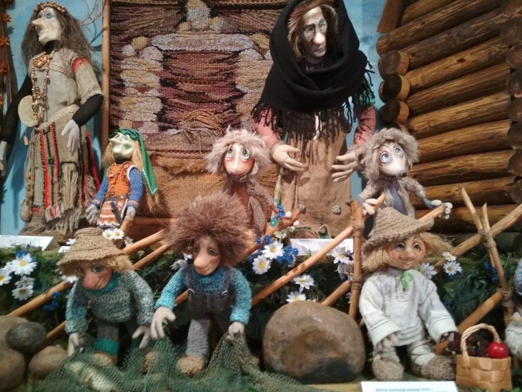 Музей кукол в Тверской области поделился фотографиями своих экспонатов
