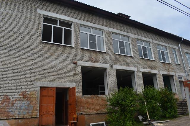 В школах Тверской области продолжаются ремонтные работы