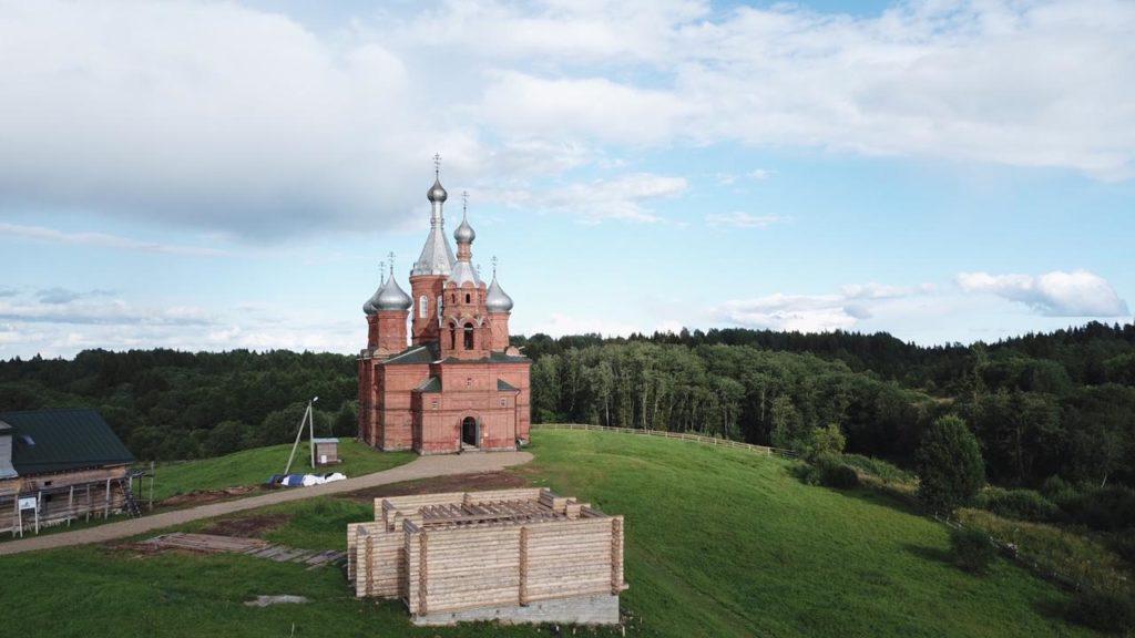 Путешествие к истоку Волги: фоторепортаж