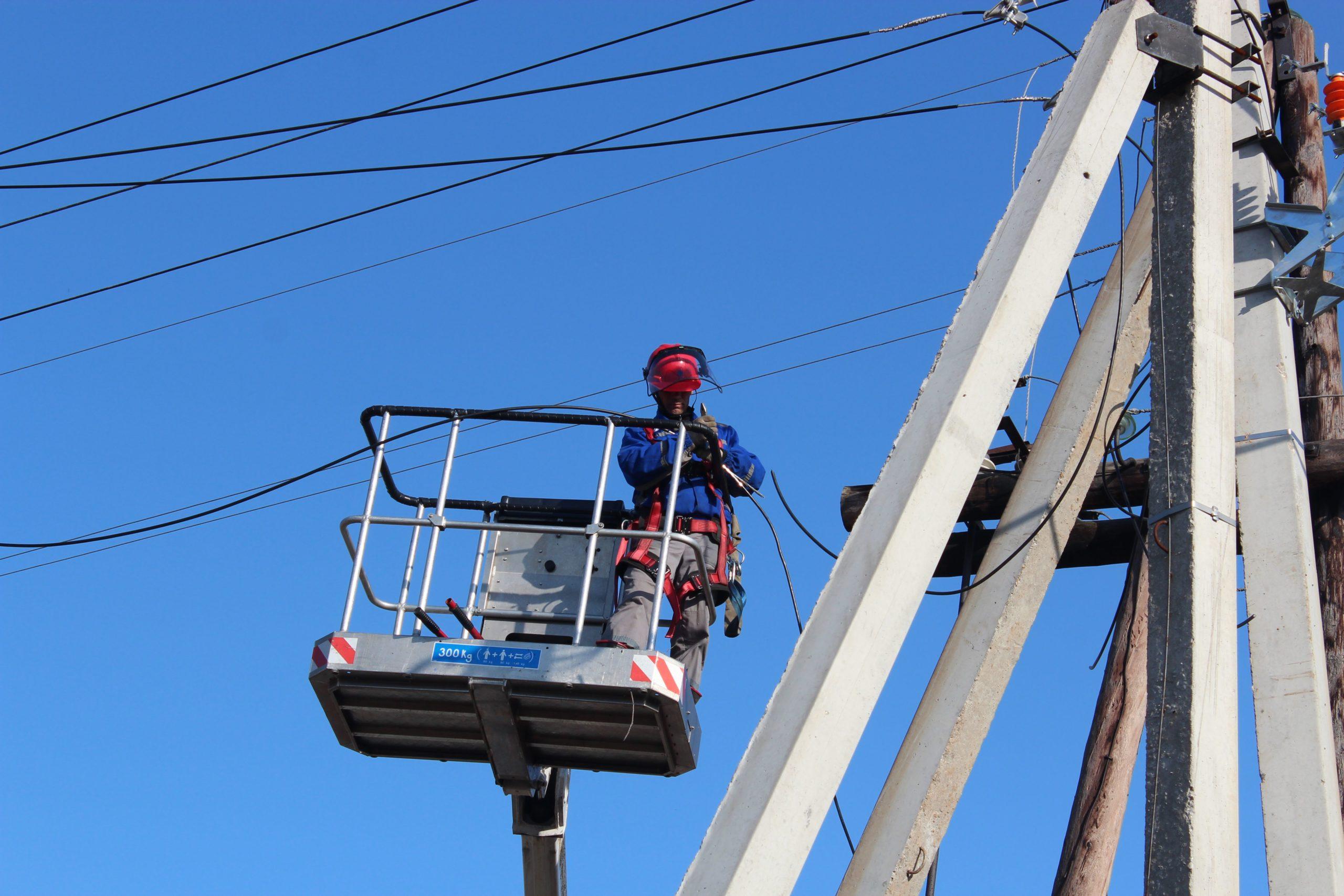 Энергетики восстановили нарушенное непогодой электроснабжение в Тверской области