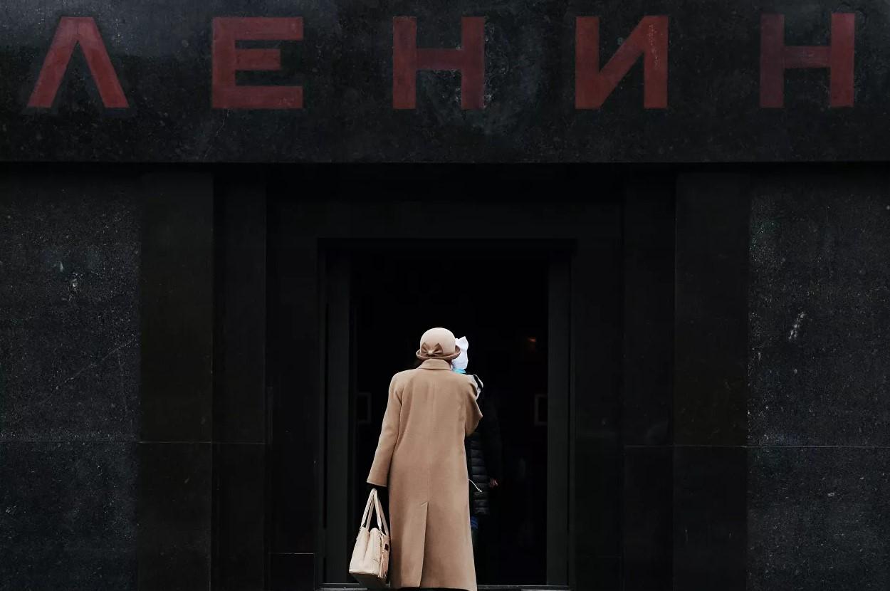 В Мавзолей Ленина начали пускать жителей Тверской области