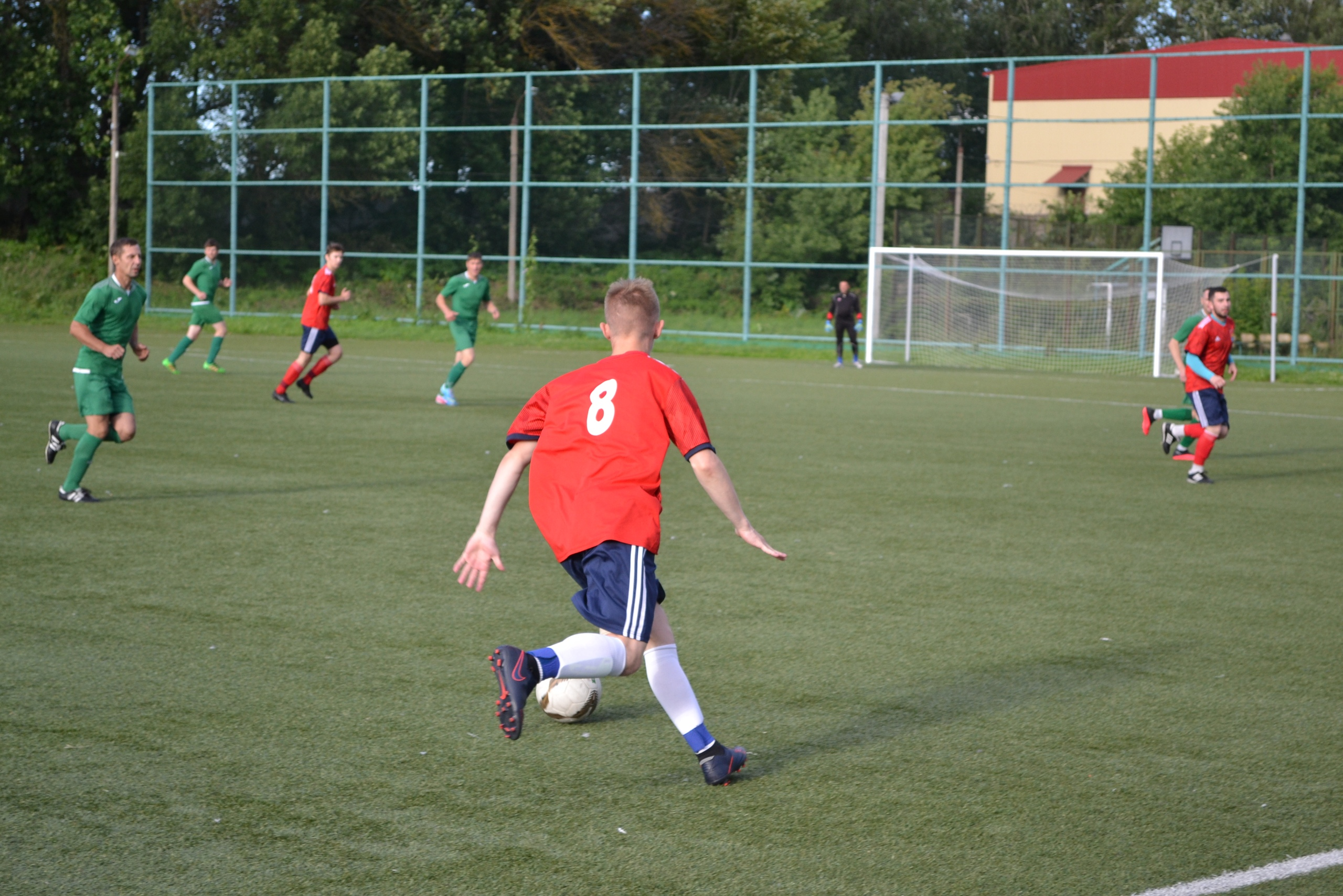 Тверские футболисты открыли летний сезон