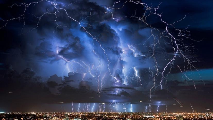 Сильный дождь, гроза и сильные порывы ветра придут в Тверскую область