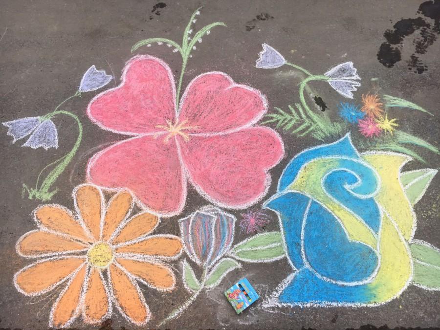 В Твери стартовал конкурс рисунков на асфальте