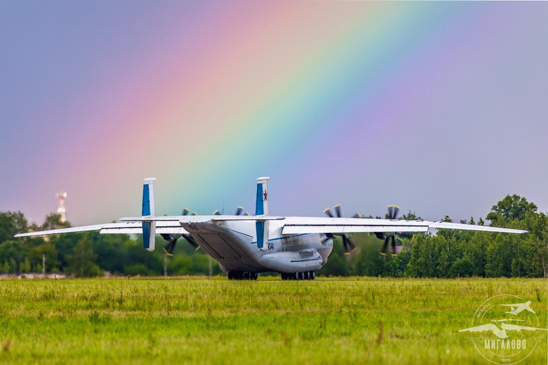 Под Тверью прошли полеты самого большого в мире турбовинтового самолета Ан-22