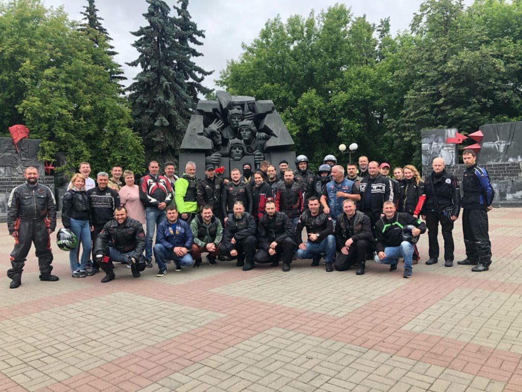 Дорогами Калиниского фронта: Памятник экипажу Степана Горобца в Твери