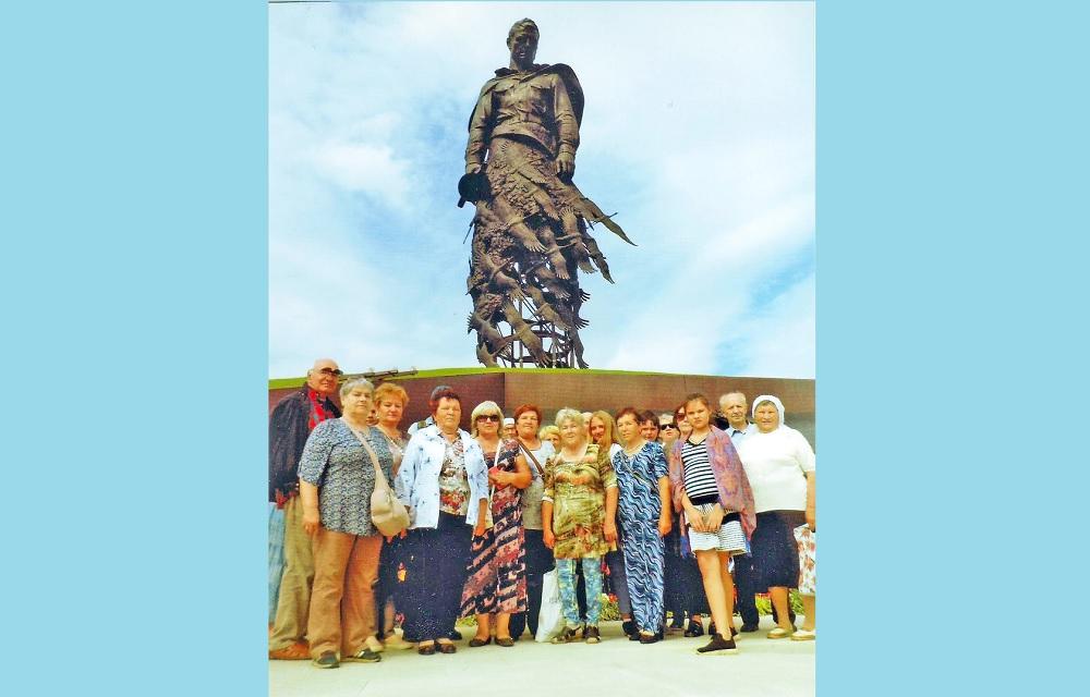 Ветераны труда из района Тверской области посетили Ржевский мемориал