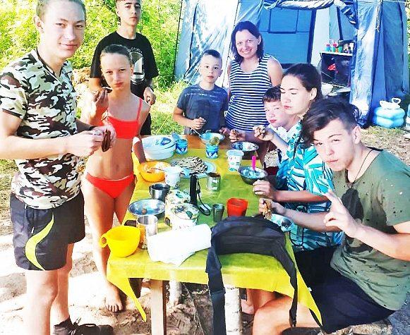 В Конаковском районе члены спортклуба «Импульс» организовали турпоход