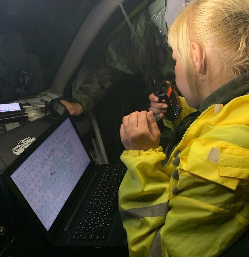 Поисковики нашли пропавшего дедушку в лесу Тверской области