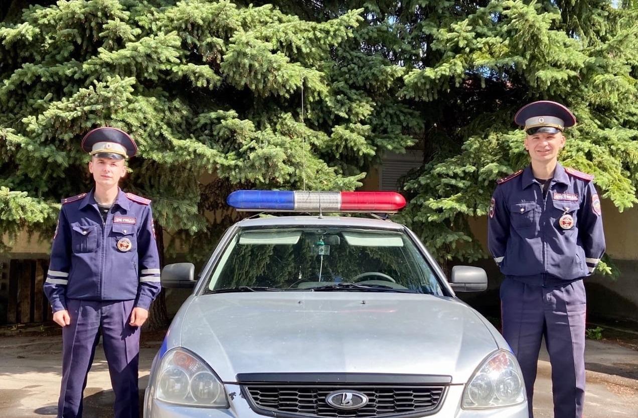 В Тверской области автоинспекторы спасли жизнь мужчине