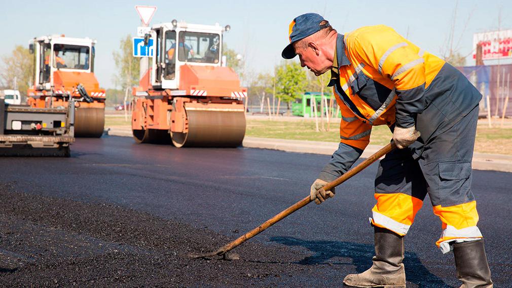 В Тверской области реконструируют дорогу, ведущую к инвестплощадке