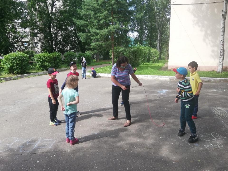В Ржеве начали работать пришкольные лагеря